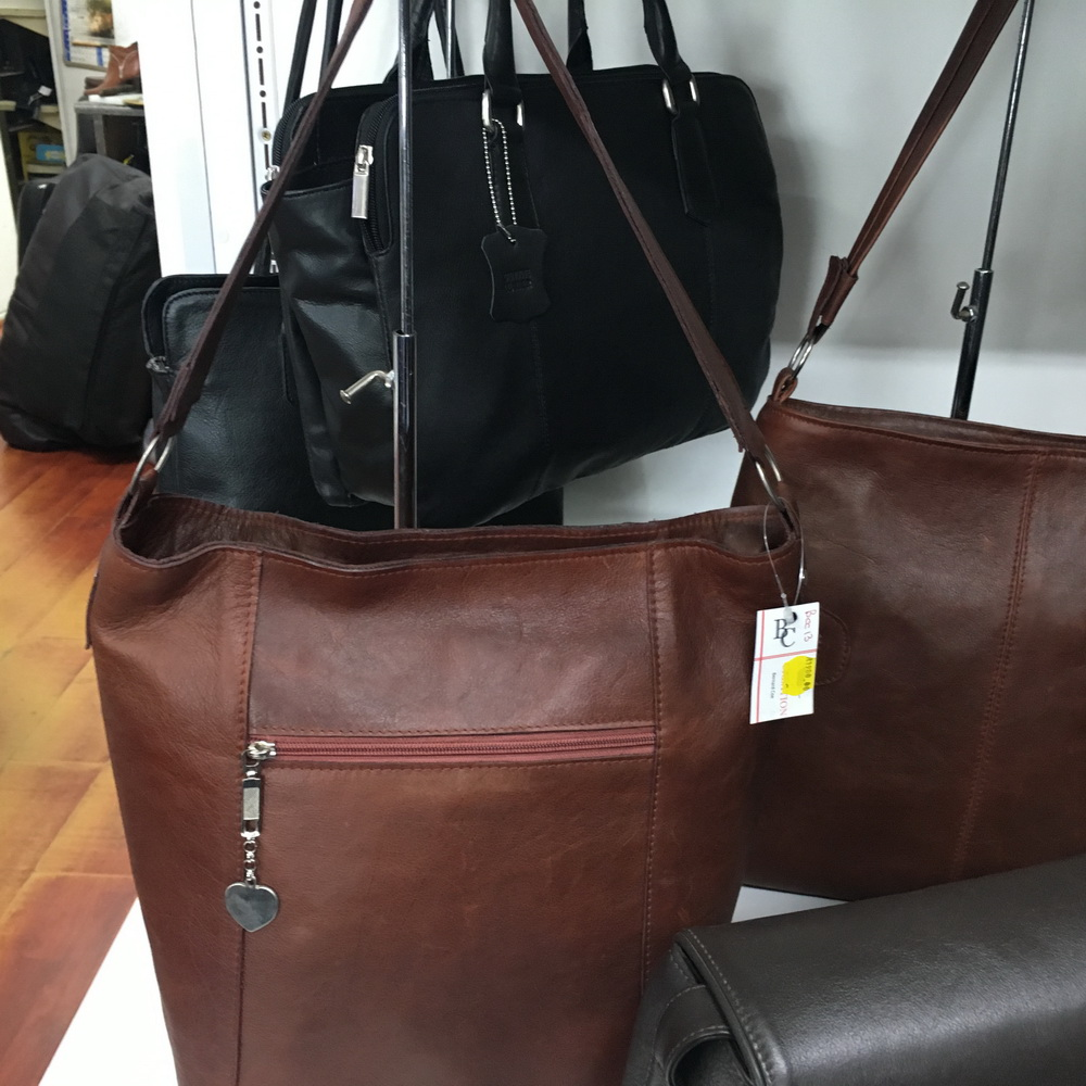 Leather Laptop Handbags Tablet Backpacks Toiletry Bags